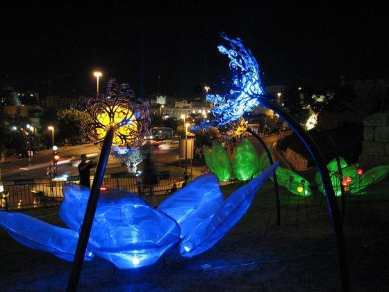 Solar night garden