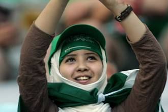 Saudi_girl_stops_soccer_game